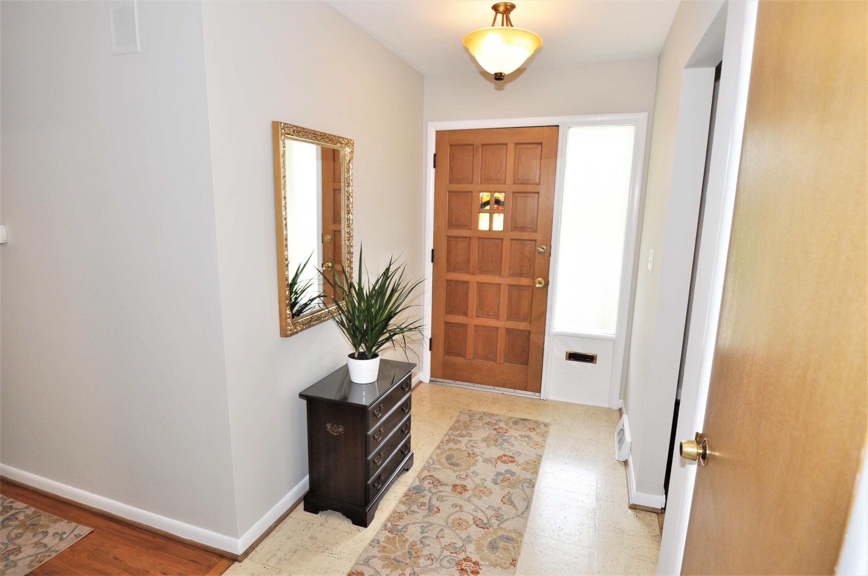 Foyer is 10.5' x 5'4