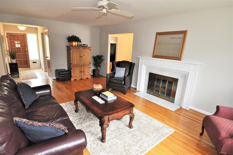 Living Room w/oak floors!