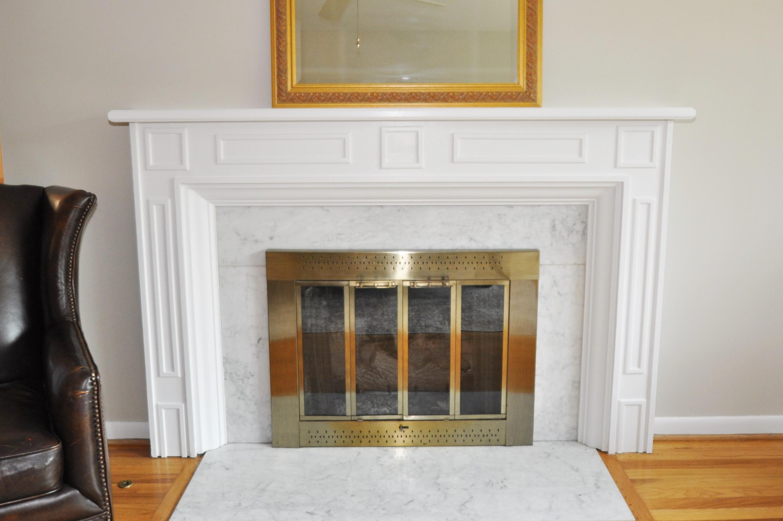 Gas Log Fireplace!