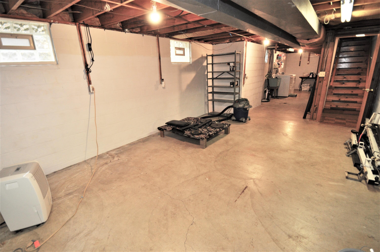 23' x 13' Hobby/Activity Room