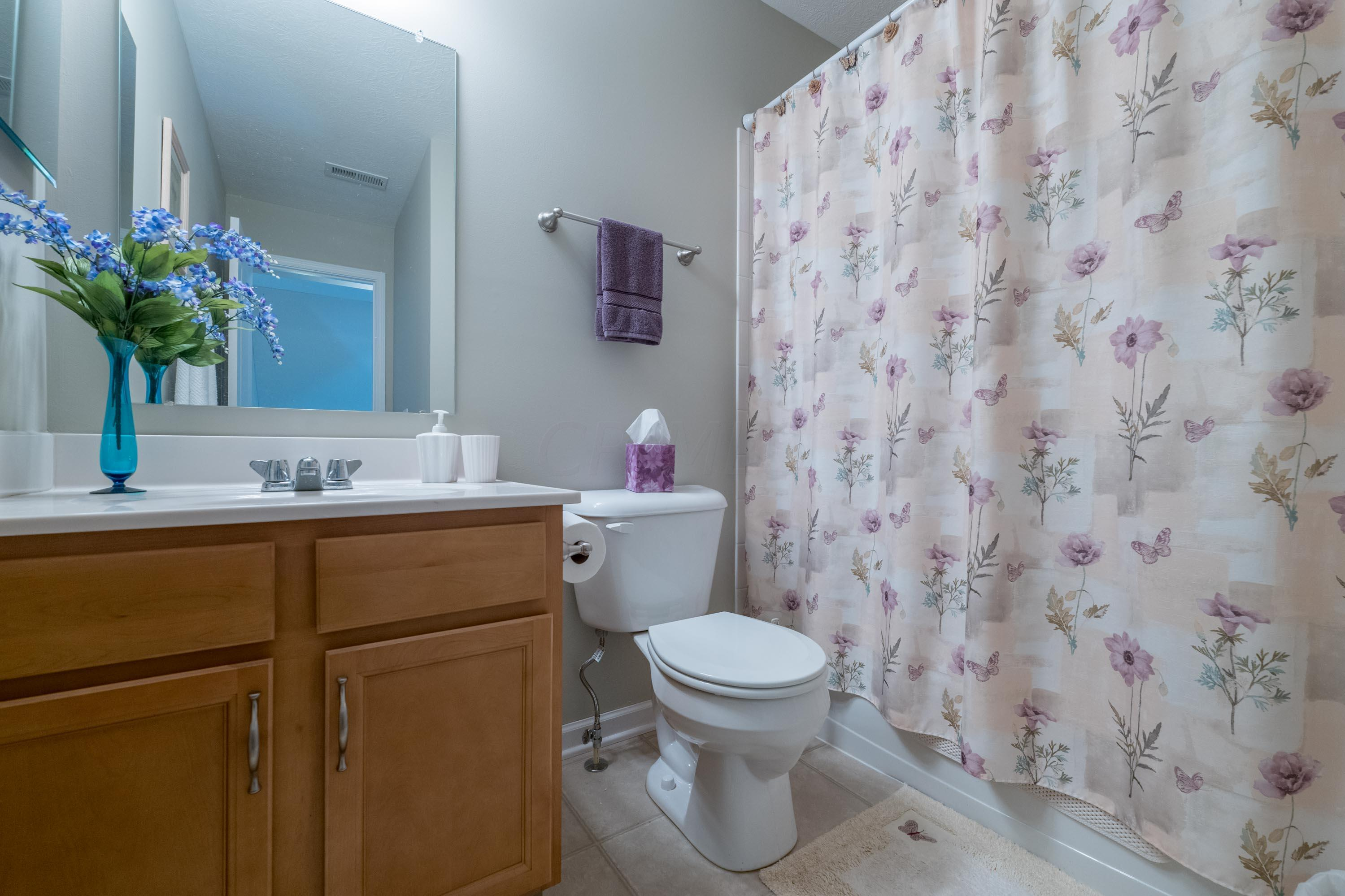 Full Bath-Upper Level