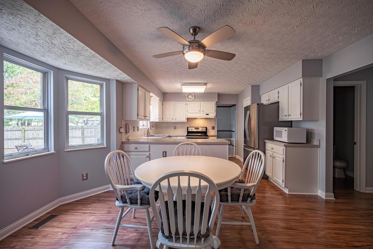 608 Bridgewater kitchen 2