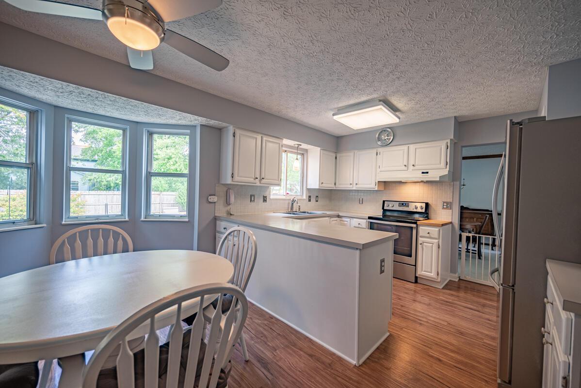 608 Bridgewater kitchen 4