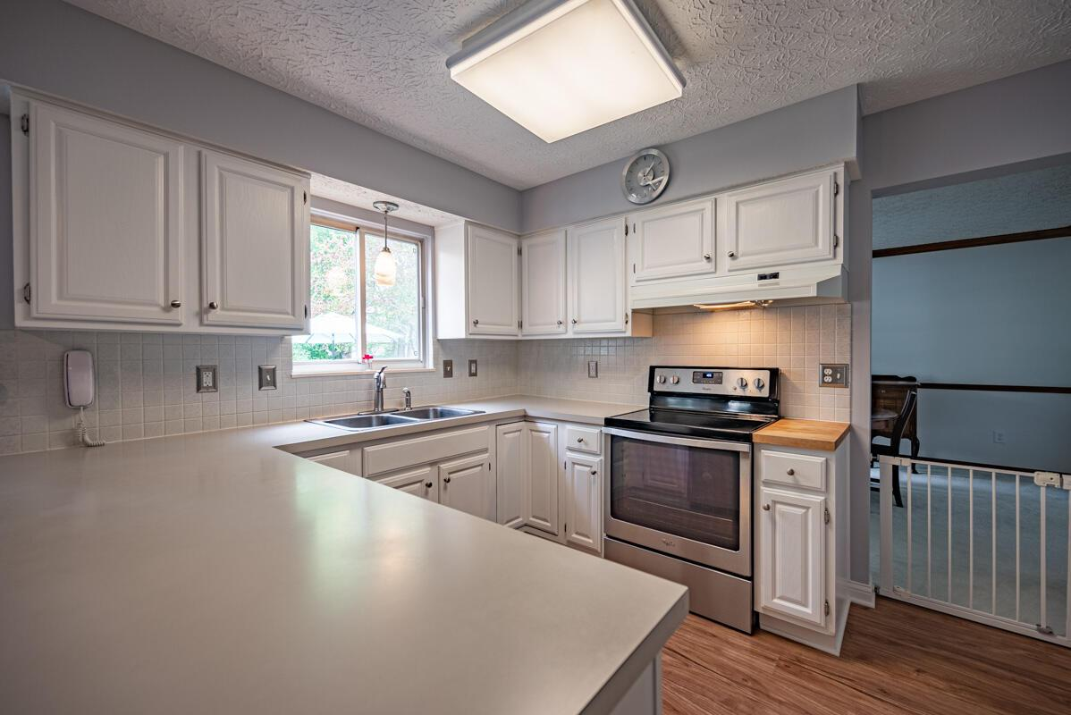 608 Bridgewater kitchen 5