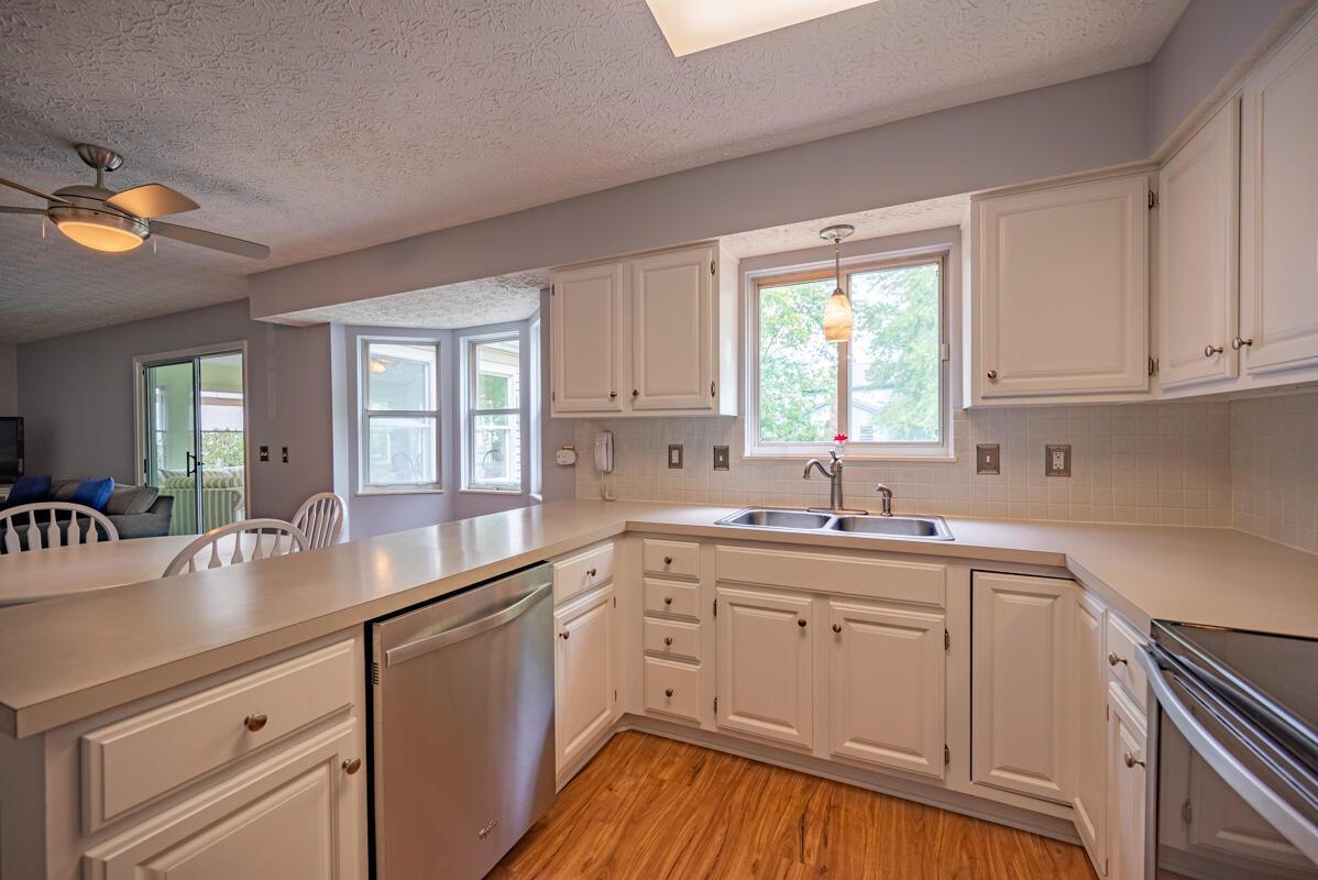 608 Bridgewater kitchen 7