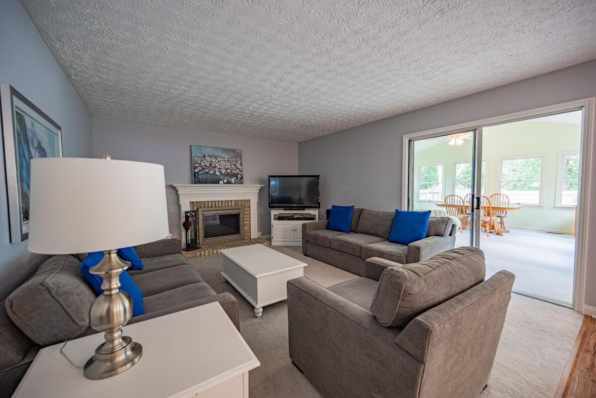 608 Bridgewater family room 2