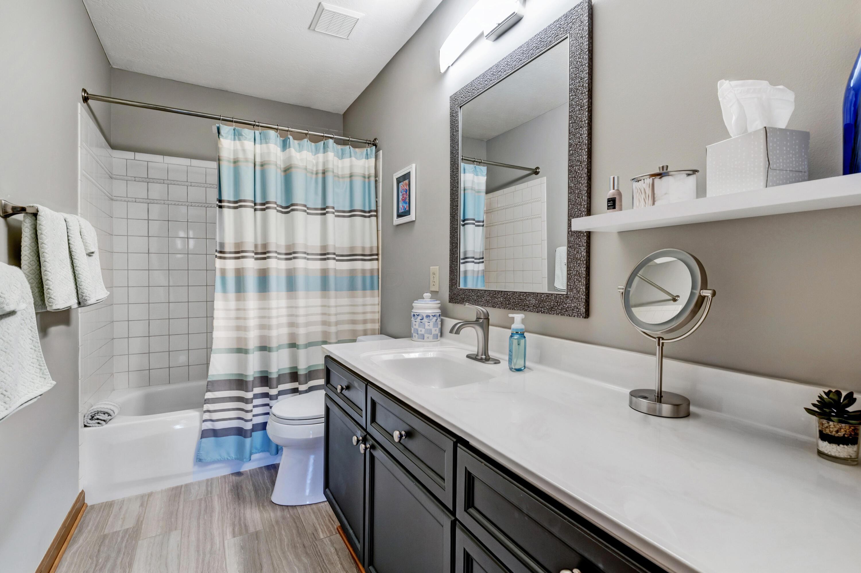 32-Bathroom 2
