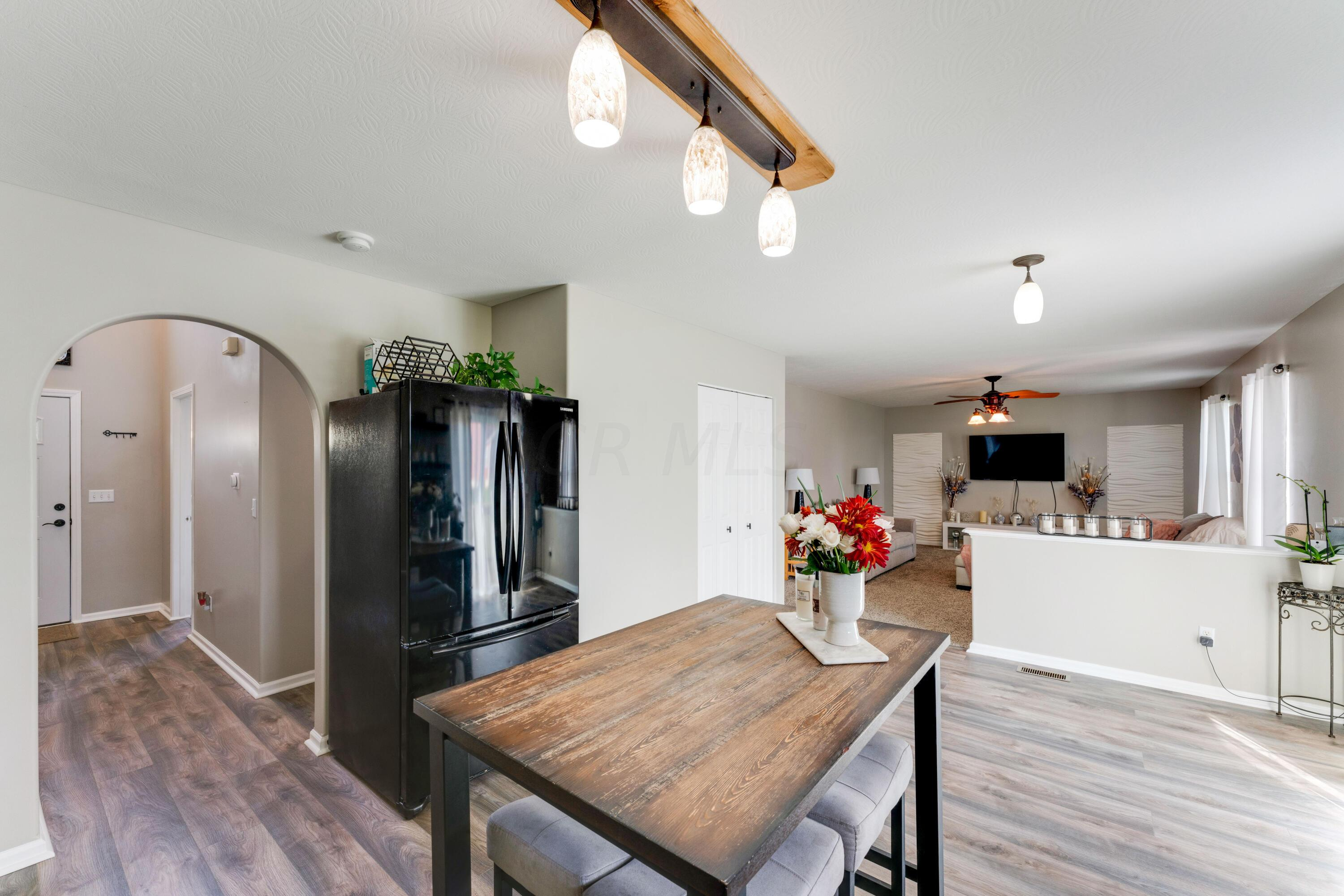 Kitchen/ Eating Space