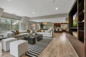 Loft style open floorplan to suit any arrangement and lifestyle.