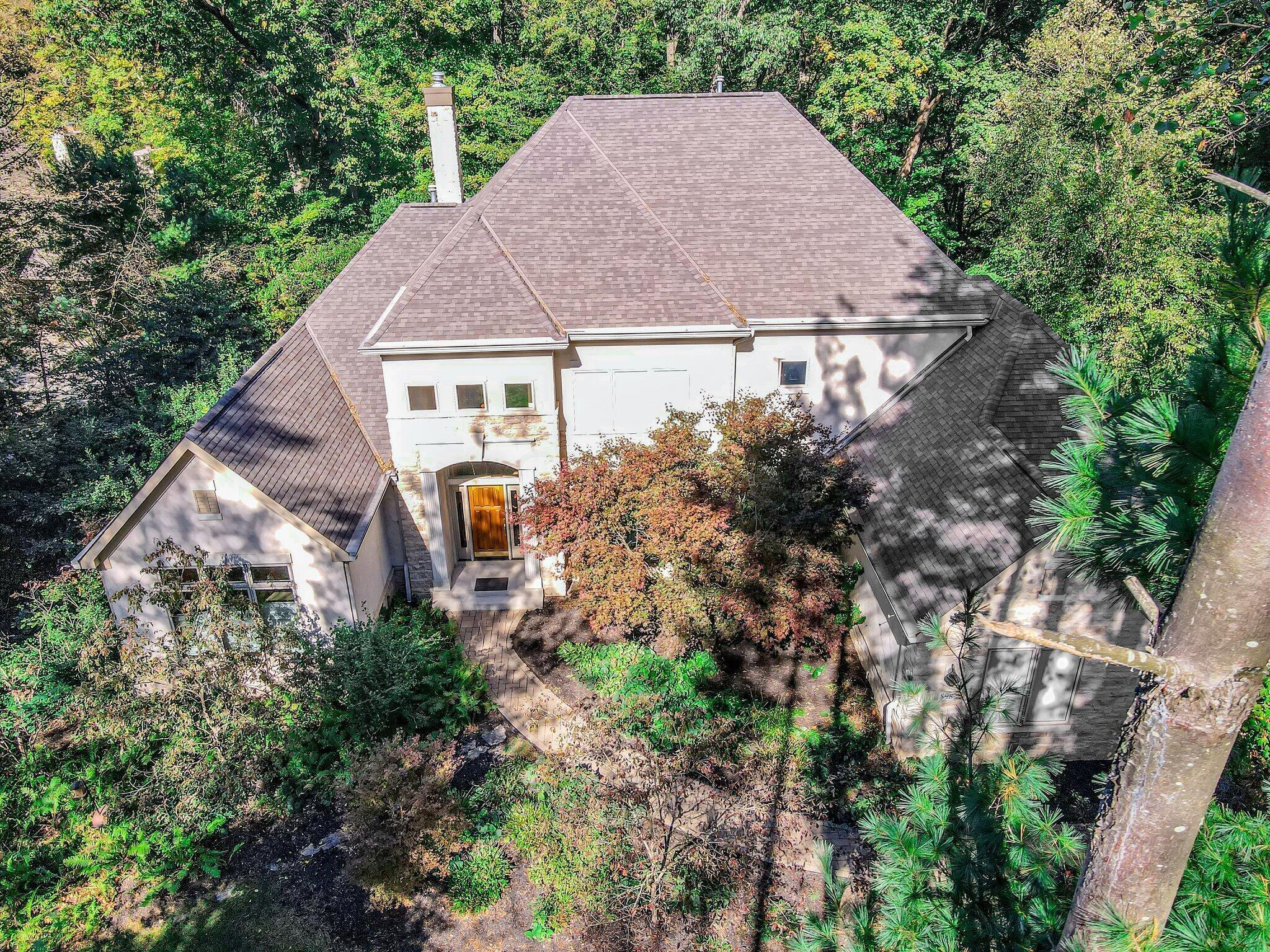 Photo of 898 Riverbend Avenue, Powell, OH 43065