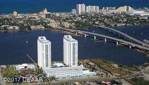 Direct on the Intracoastal waterway and near the ocean