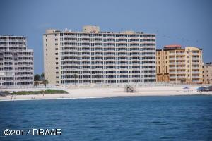 Shores Club Condominium