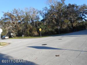1099 Yaupon Street, Daytona Beach, FL 32117