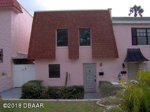 118 Mitchell Place, Daytona Beach, FL 32118