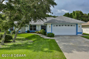 829 E 7th Avenue, New Smyrna Beach, FL 32169