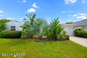 305 Lincoln Avenue, New Smyrna Beach, FL 32169