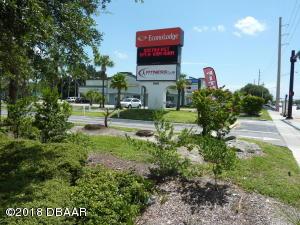 260 E Merritt Island Causeway, Merritt Island, FL 32952