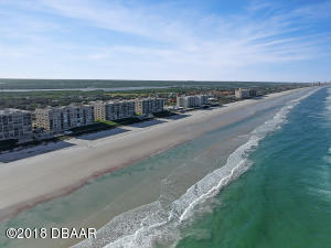 Beautiful oceanfront unit on a traffic free beach