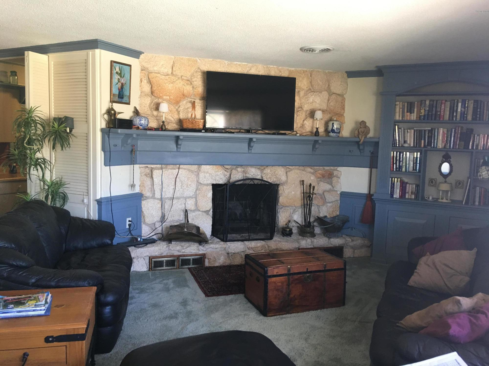 Listing photo id 6 for 14 Silk Oaks Drive