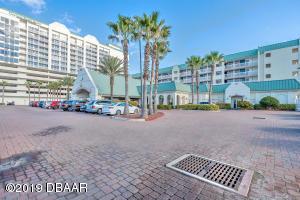 2700 N Atlantic Avenue, 307, Daytona Beach, FL 32118