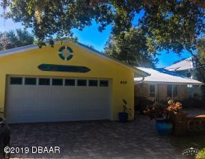 809 Locust Street, New Smyrna Beach, FL 32169