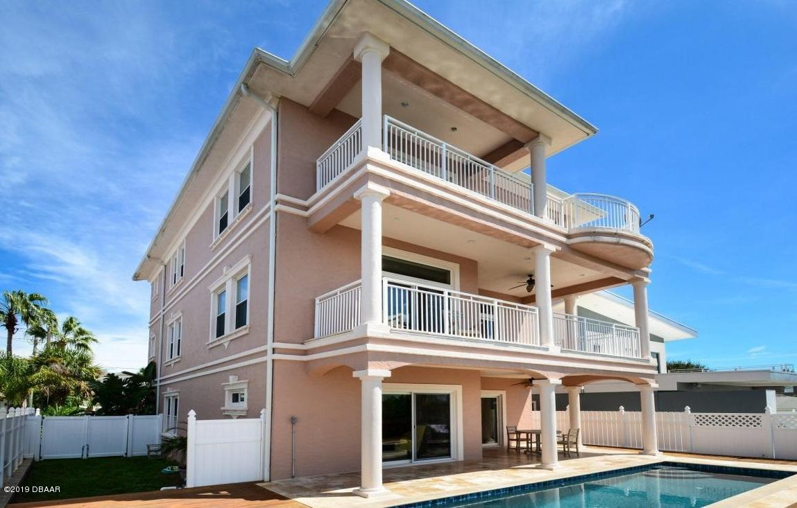 Photo of 4018 S Peninsula Drive, Port Orange, FL 32127
