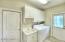Utility Room with Splash Tub