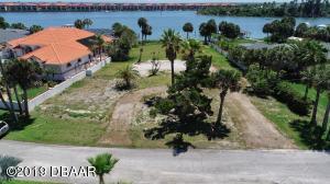 322 Desoto Drive, New Smyrna Beach, FL 32169