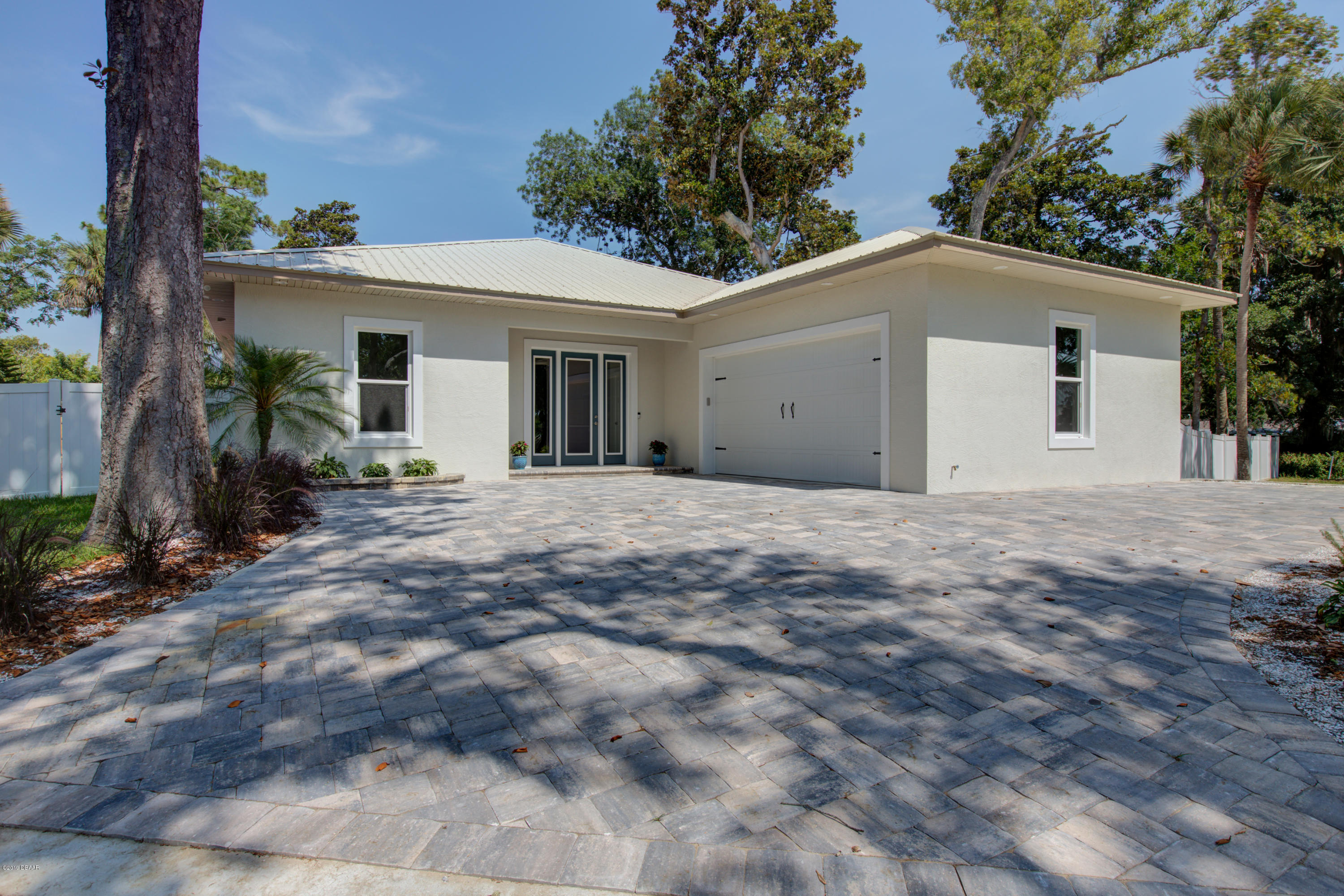 Photo of 1512 S Riverside Drive, Edgewater, FL 32132