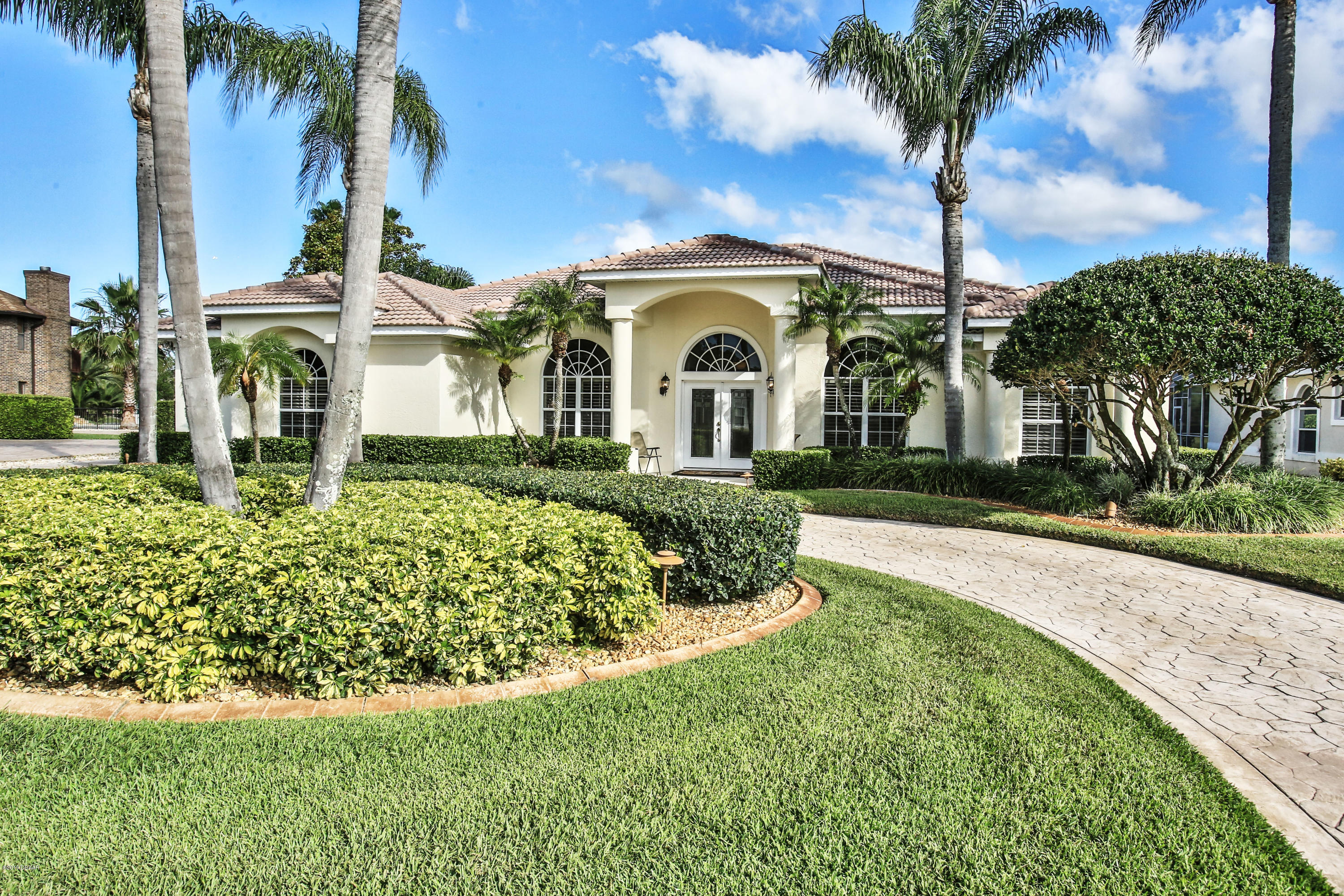 Photo of 1994 Country Club Drive, Port Orange, FL 32128