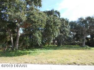 507 S Pine Street, New Smyrna Beach, FL 32169