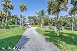 2752 S Peninsula Drive, Daytona Beach, FL 32118