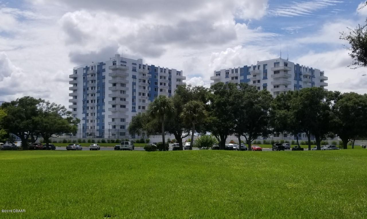 925 Halifax Avenue 703, Daytona Beach, FL 32118