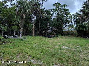 165 Bay Street, New Smyrna Beach, FL 32168