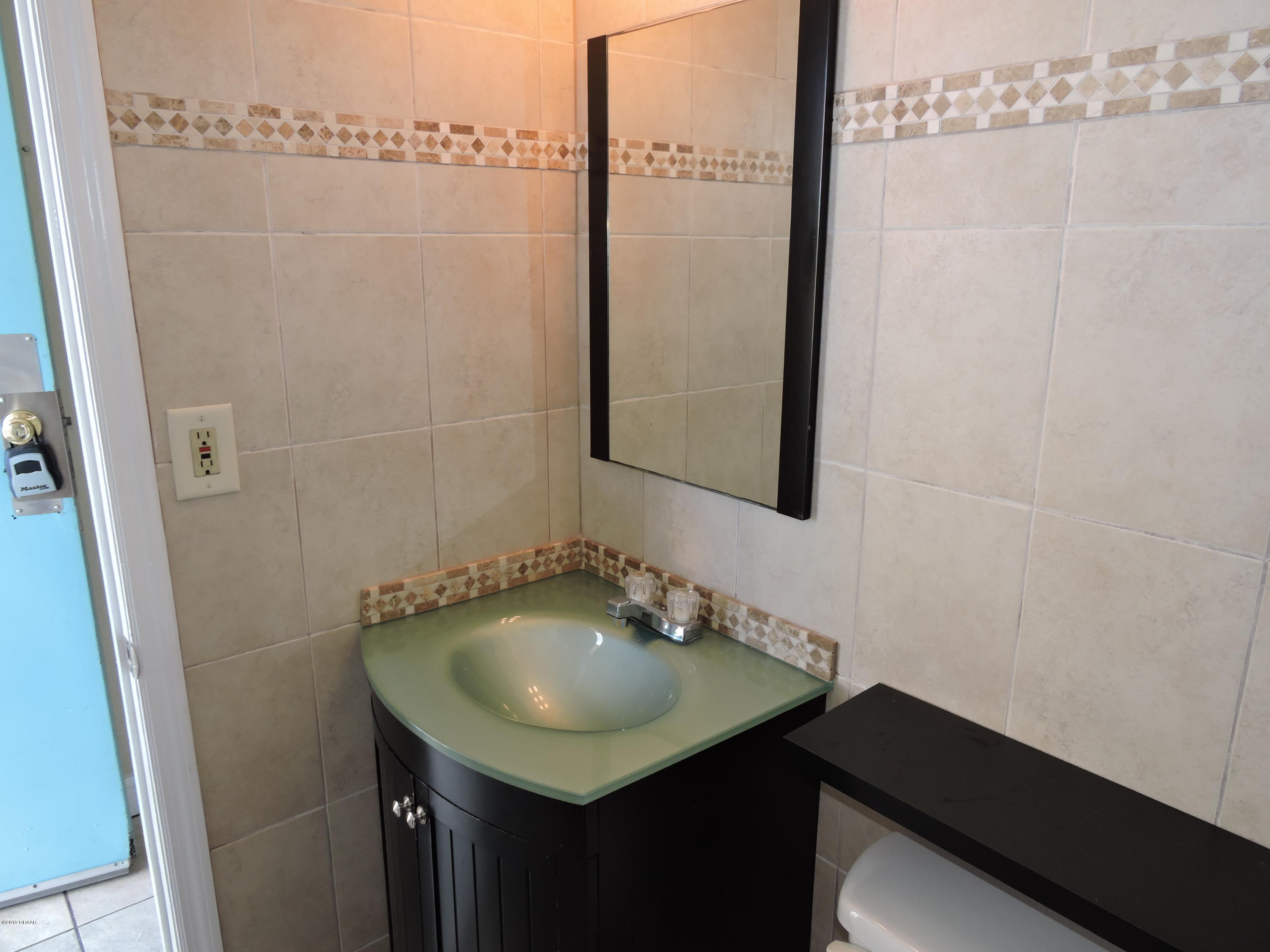 Listing photo id 40 for 219 Atlantic Avenue 312