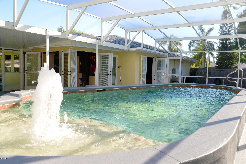 2011 Sabal Palm Drive