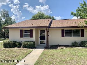 33 Villa Villar Court, DeLand, FL 32724