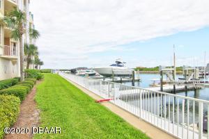 4621 S Rivers Edge Village Lane, 133, Ponce Inlet, FL 32127