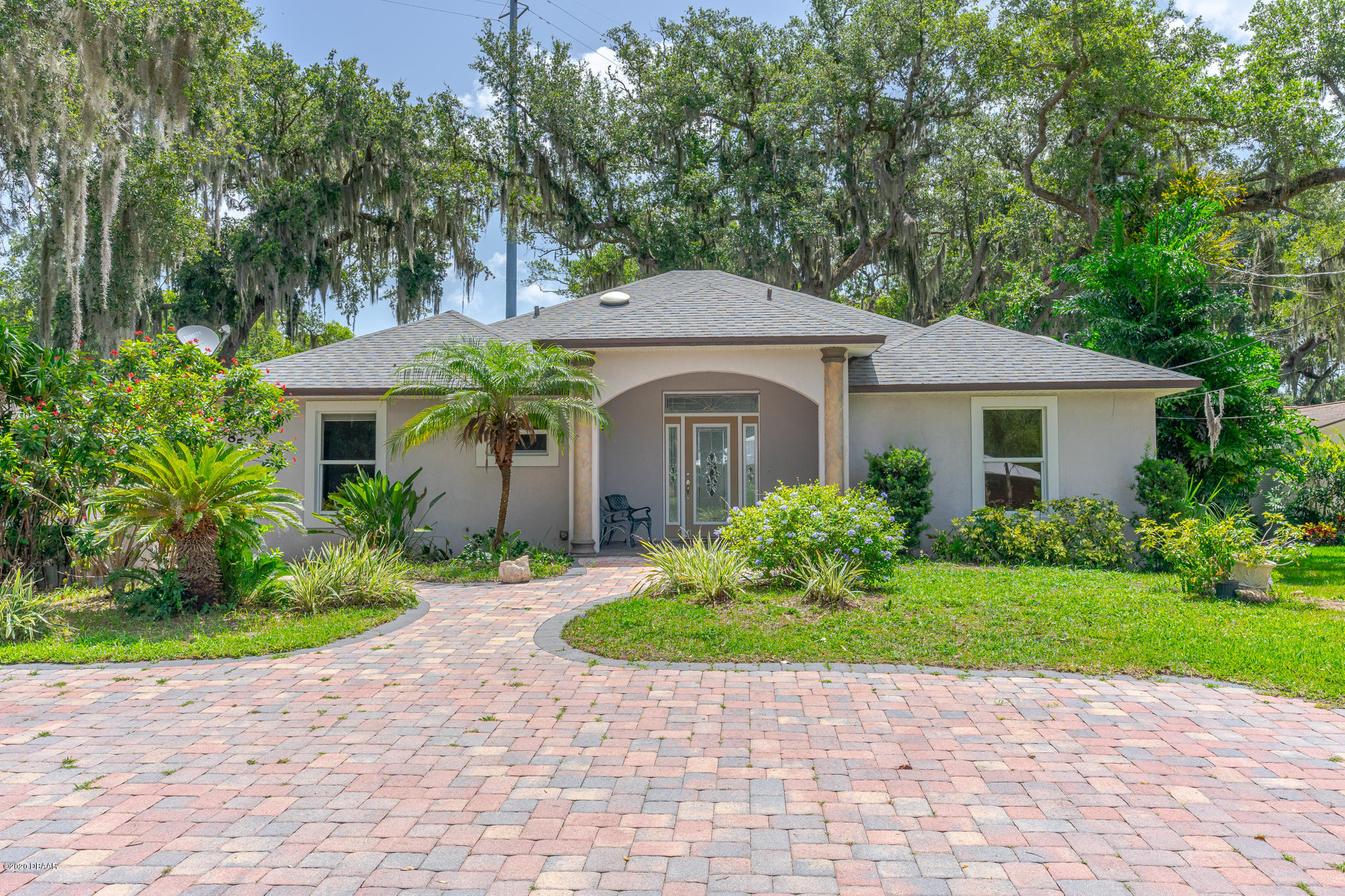 Photo of 385 Coquina Avenue, Ormond Beach, FL 32174