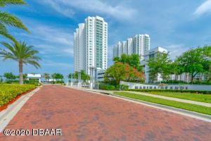 231 Riverside Drive, 1104, Holly Hill, FL 32117