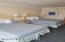 Large Bedroom with 2 Queen Beds