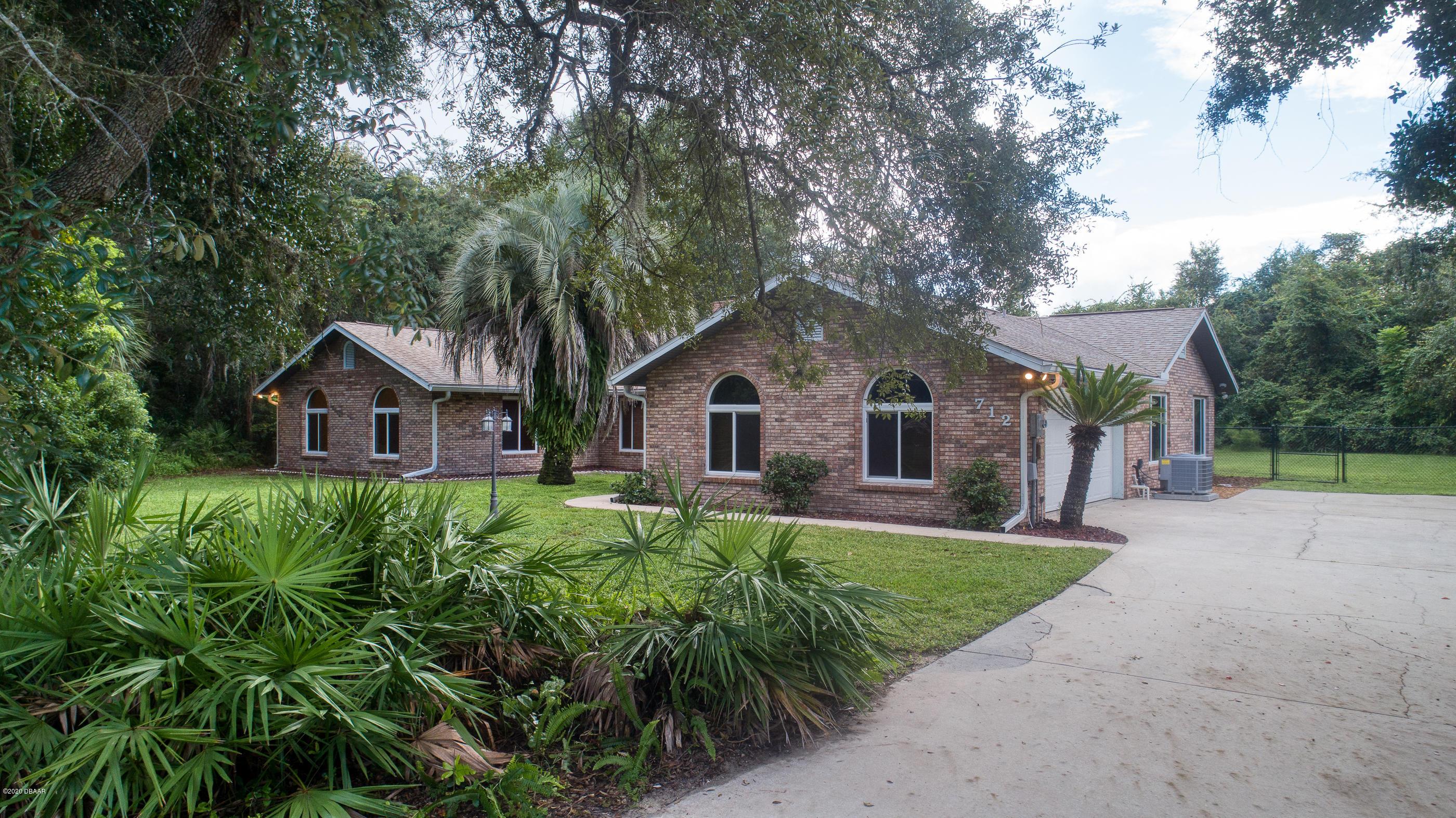 Photo of 712 Breckenridge Drive, Port Orange, FL 32127