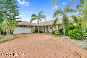 28 S Classic Court, Palm Coast, FL 32137