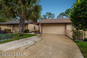 116 Sawgrass Circle, Daytona Beach, FL 32114