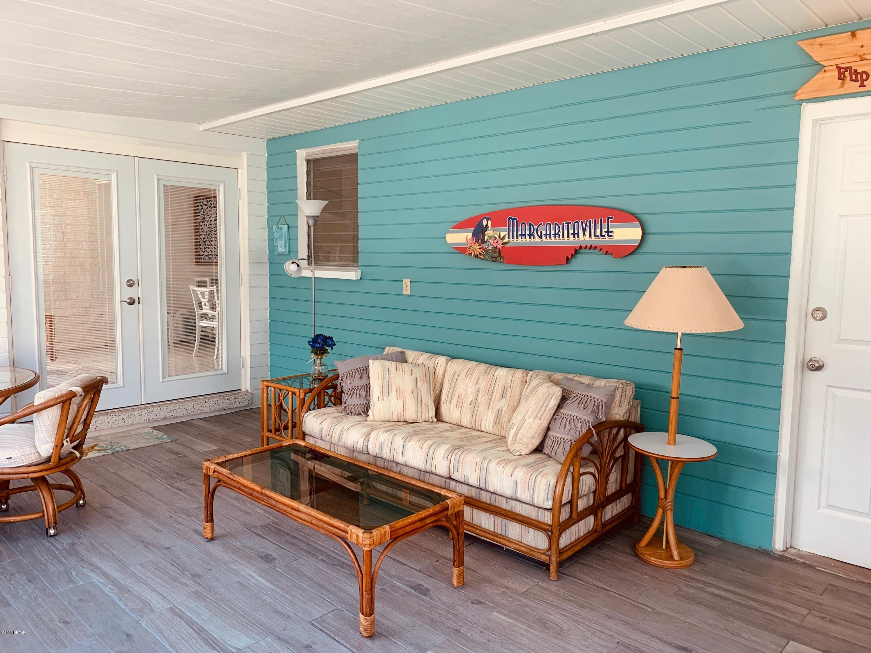 Listing photo id 33 for 61 Rivocean Drive