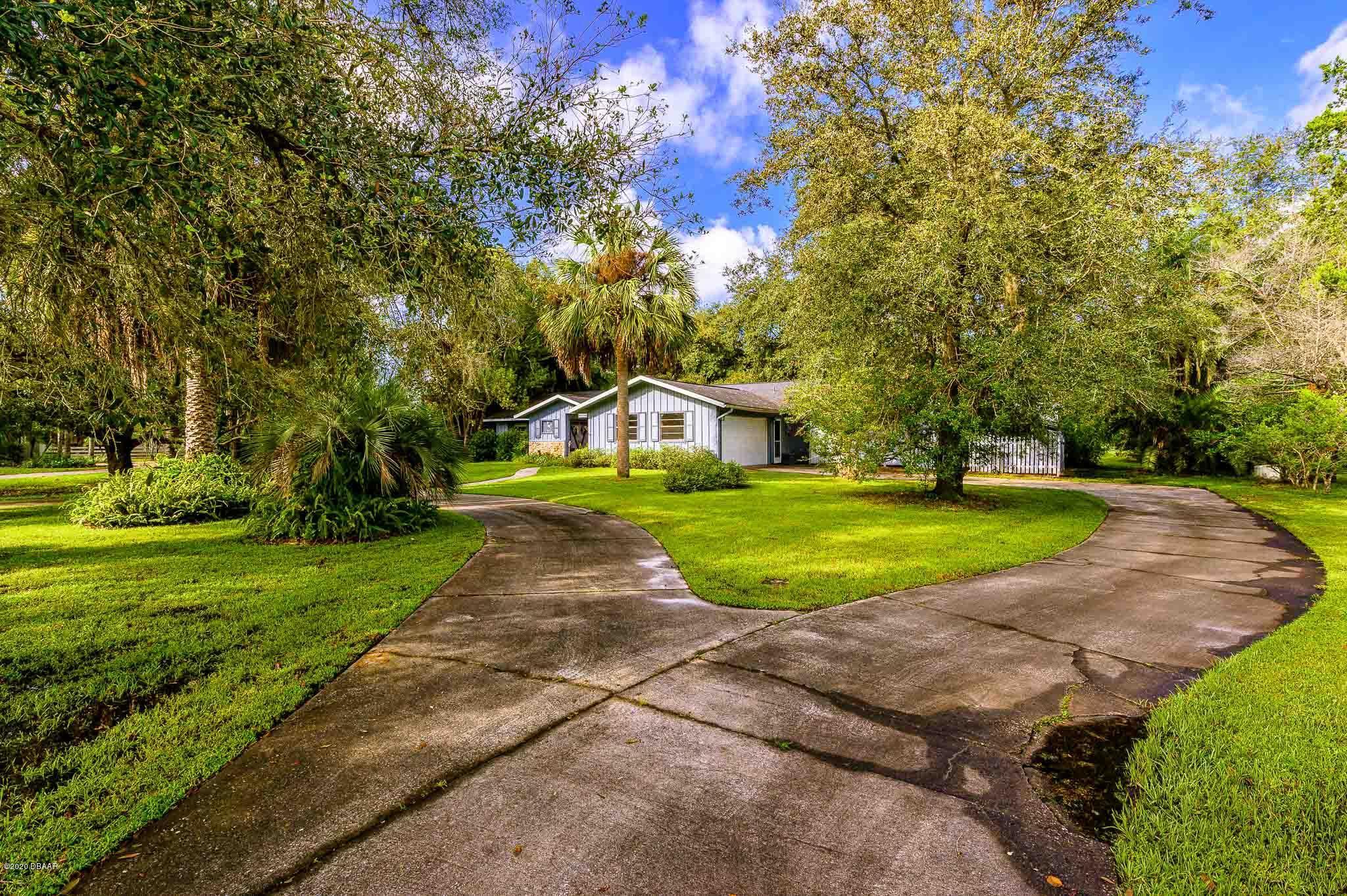 Photo of 170 E Lakeside Drive, Port Orange, FL 32128