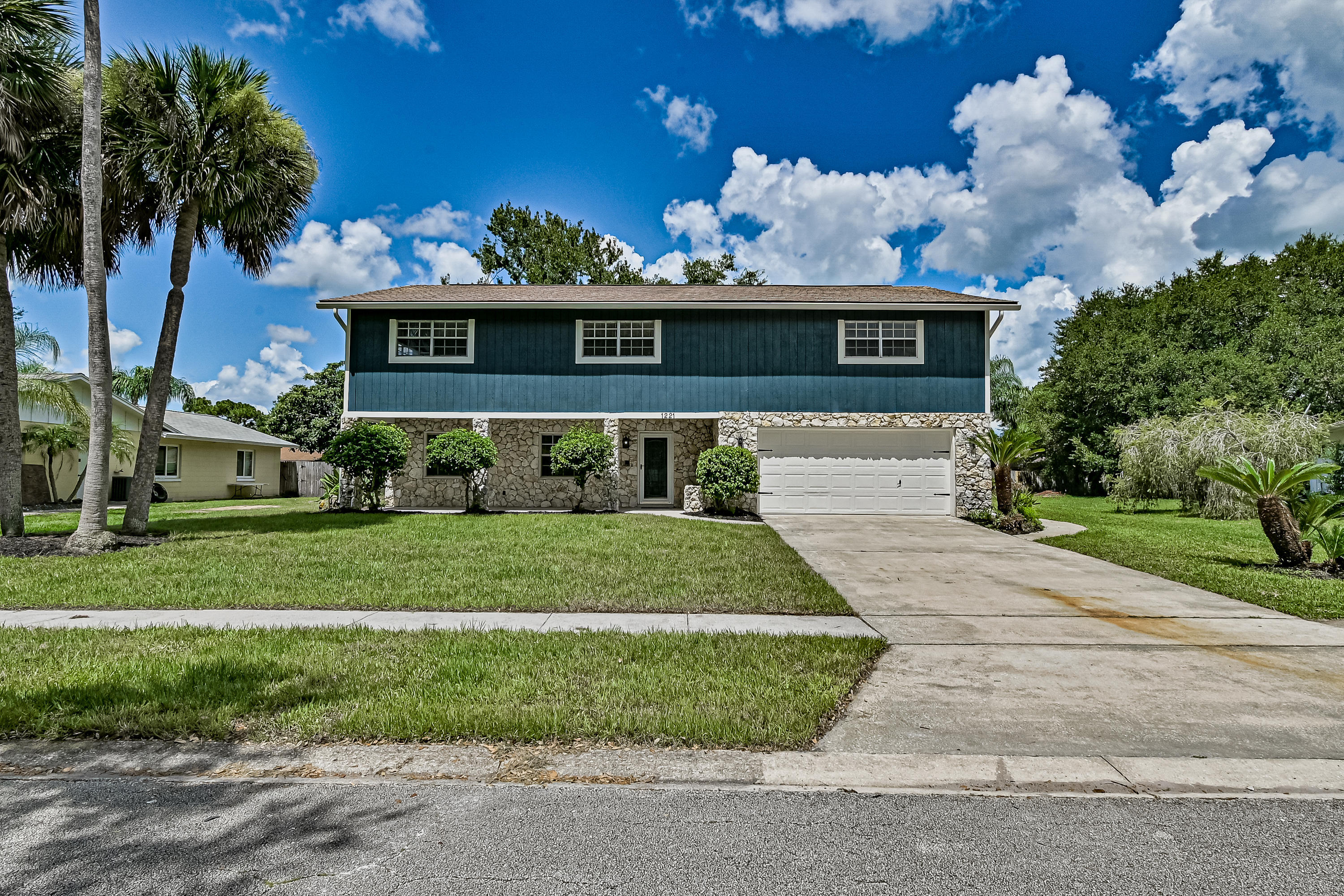 Photo of 1221 Edna Drive, Port Orange, FL 32129