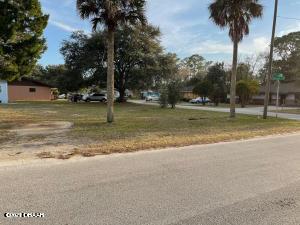 1441 Illinois Street, Daytona Beach, FL 32114