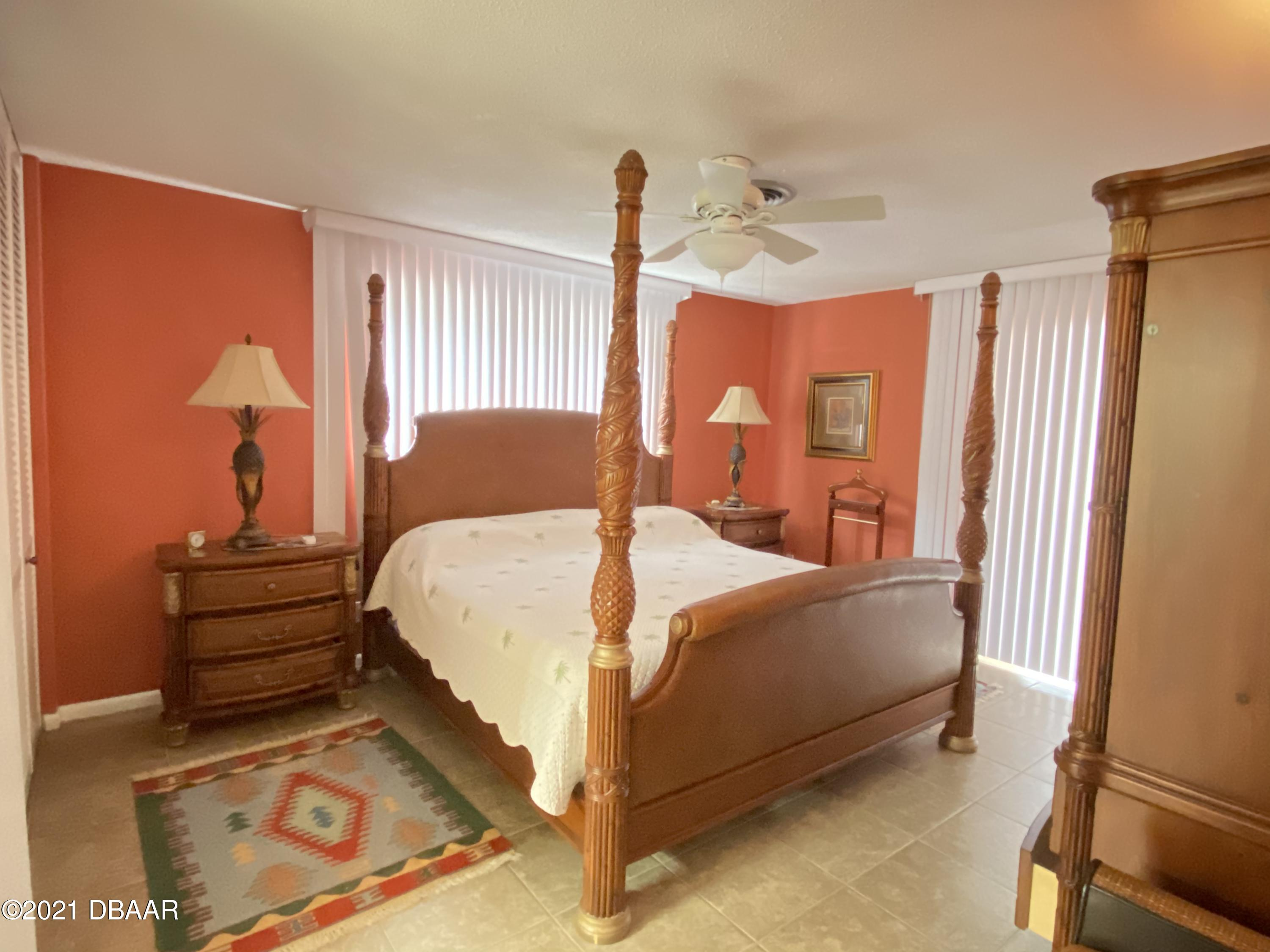 Listing photo id 11 for 120 Ocean Grove Drive
