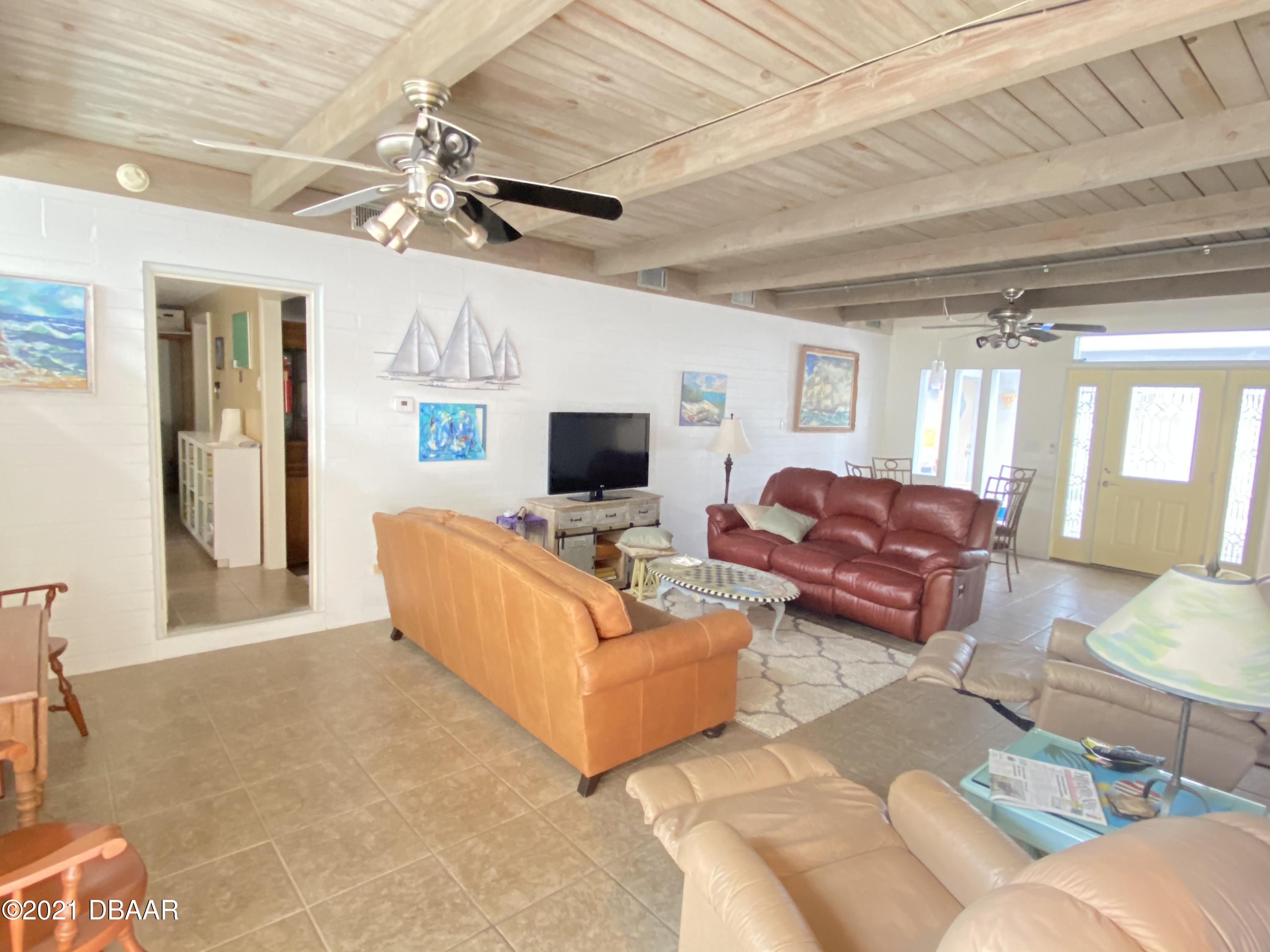Listing photo id 8 for 120 Ocean Grove Drive